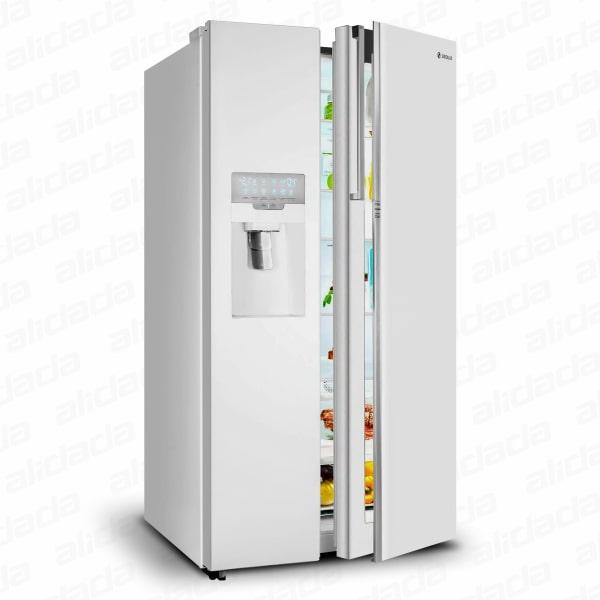 نمای کنار یک درب باز یخچال و فریزر ساید بای ساید اسنوا مدل S8-3350 رنگ سفید