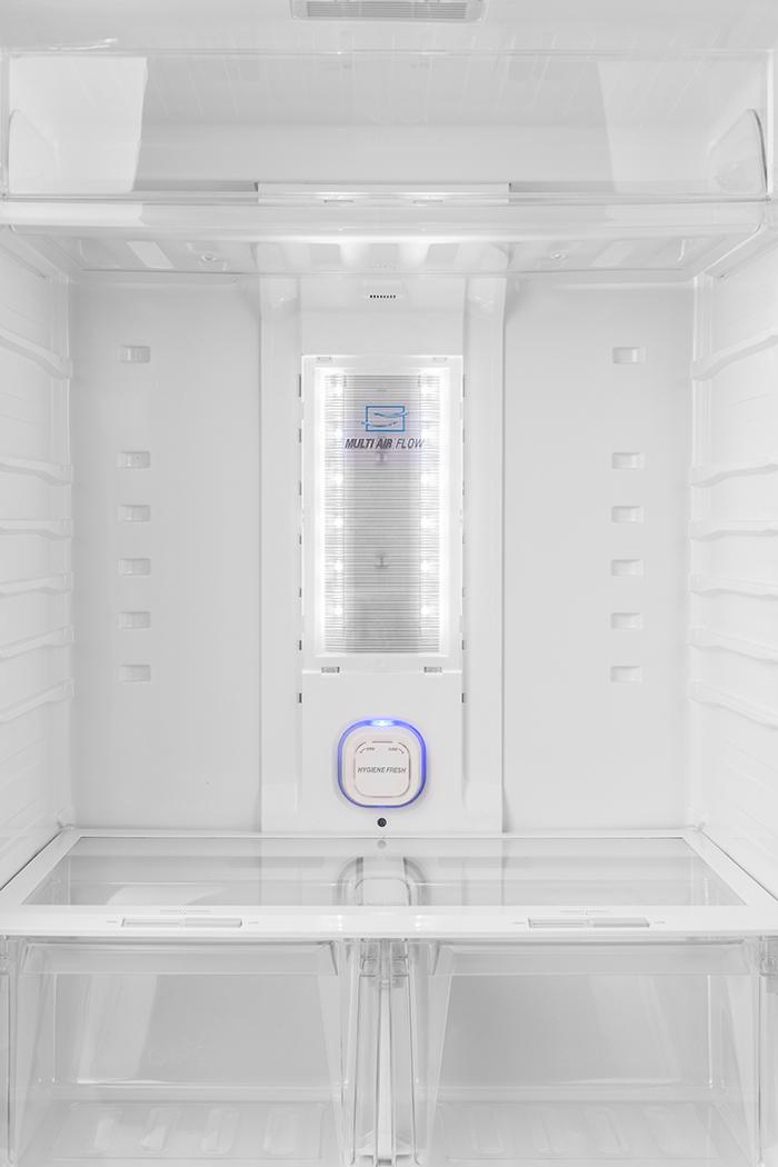 فضای داخلی یخچال فریزر دیپوینت مدلt7
